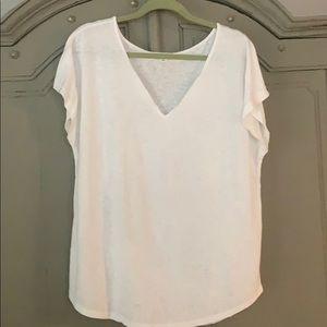 White Old Navy T-shirt